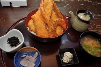 海鮮ソースかつ丼定食 鮪屋